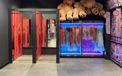 Remodelling Toys Center Via Macchi Milano